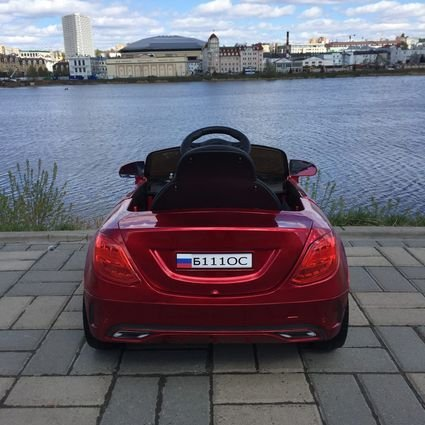 Электромобиль Мерседес Б111ОС красный (колеса резина, сиденье кожа, пульт, музыка)